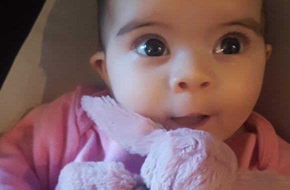 Photos: Esme 4 months old – November 2017